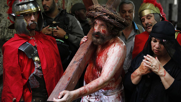 internacional-religiao-catolica-sexta-feira-santa-20140418-07-size-598