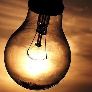 queda-de-Energia2-lampada-mal-acesa