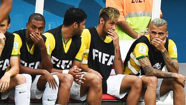neymar-banco-selecao-brasilia-01-size-598