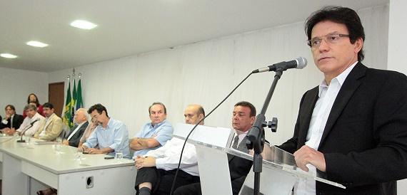 20.02-Governo-anuncia-retomada-da-obra-em-Oiticica-Foto-Rayane-Mainara-3