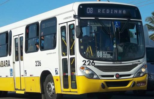 Ônibus-da-linha-08-Gabriel-Araújo