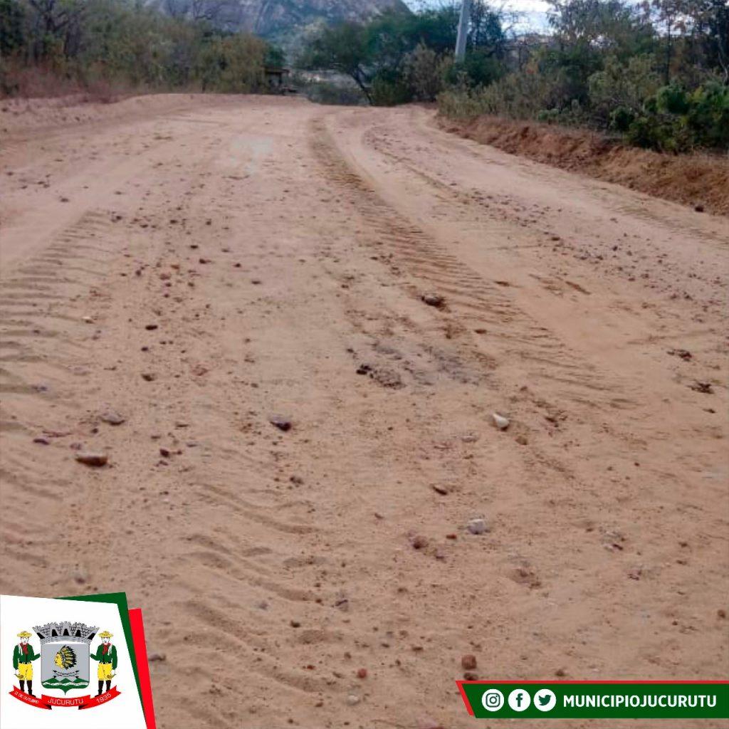 Secretaria de Agricultura e Meio Ambiente recupera estrada da comunidade Saco de São Vicente